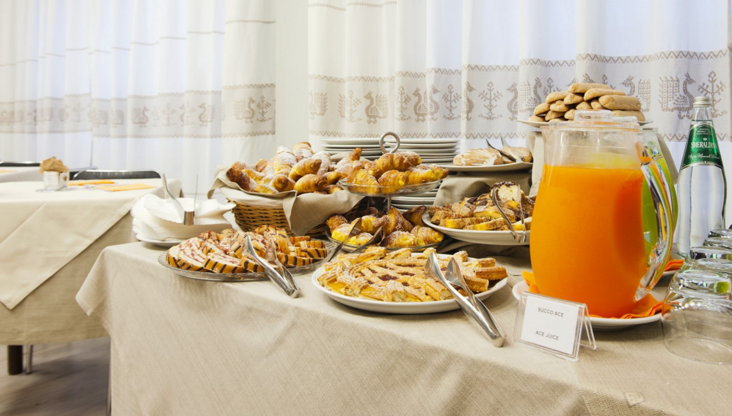 Buffet Italiano Cagliari : International breakfast best western hotel residence italia